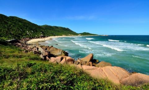 Praias em Santa Catarina para passar o verão