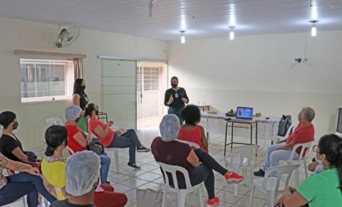 Sebrae realiza palestra para participantes das oficinas profissionalizantes