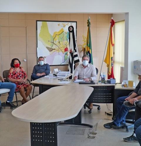 Prefeito anuncia criação de auxílio social a famílias de Mogi Guaçu